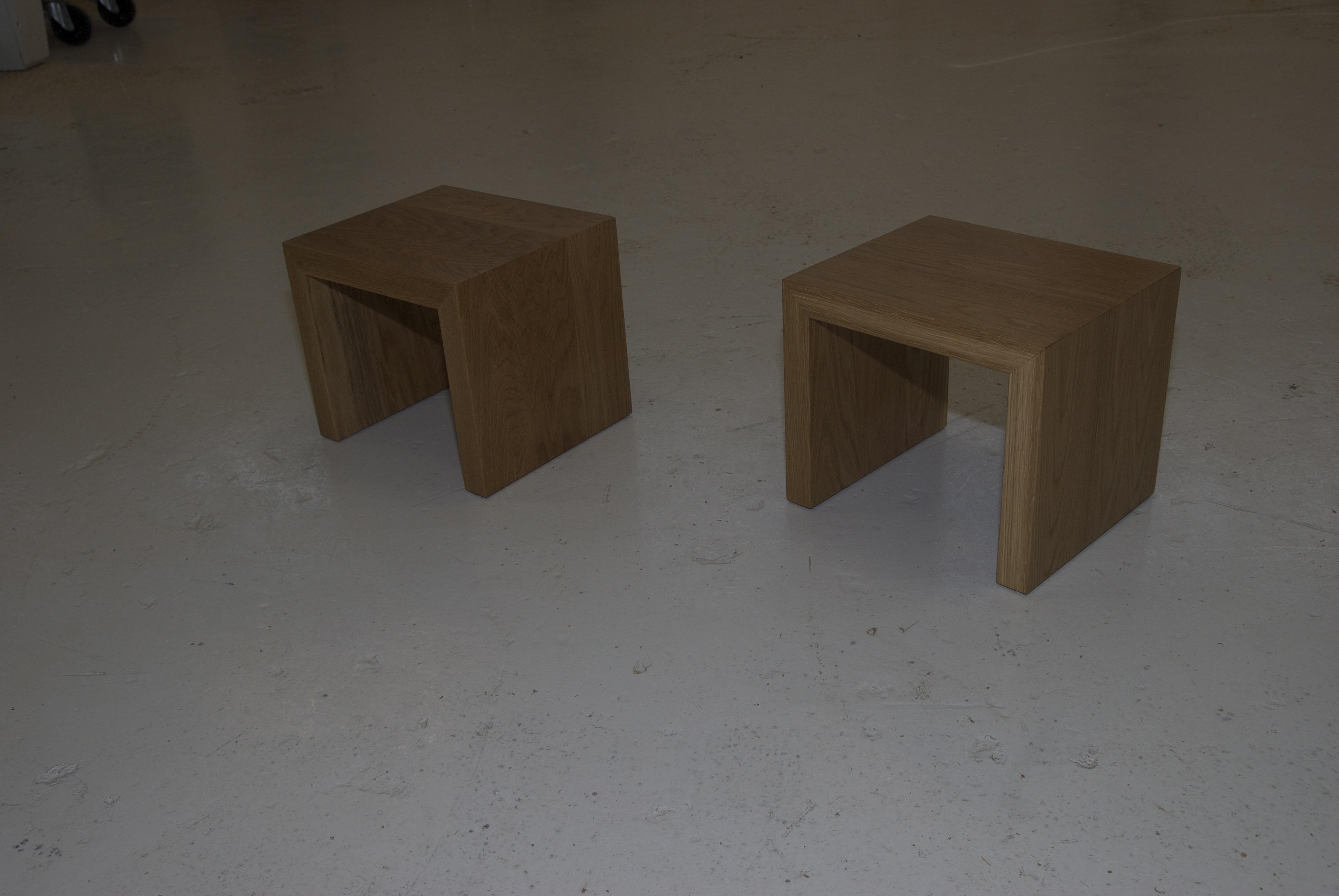 Tammiset yöpöydät