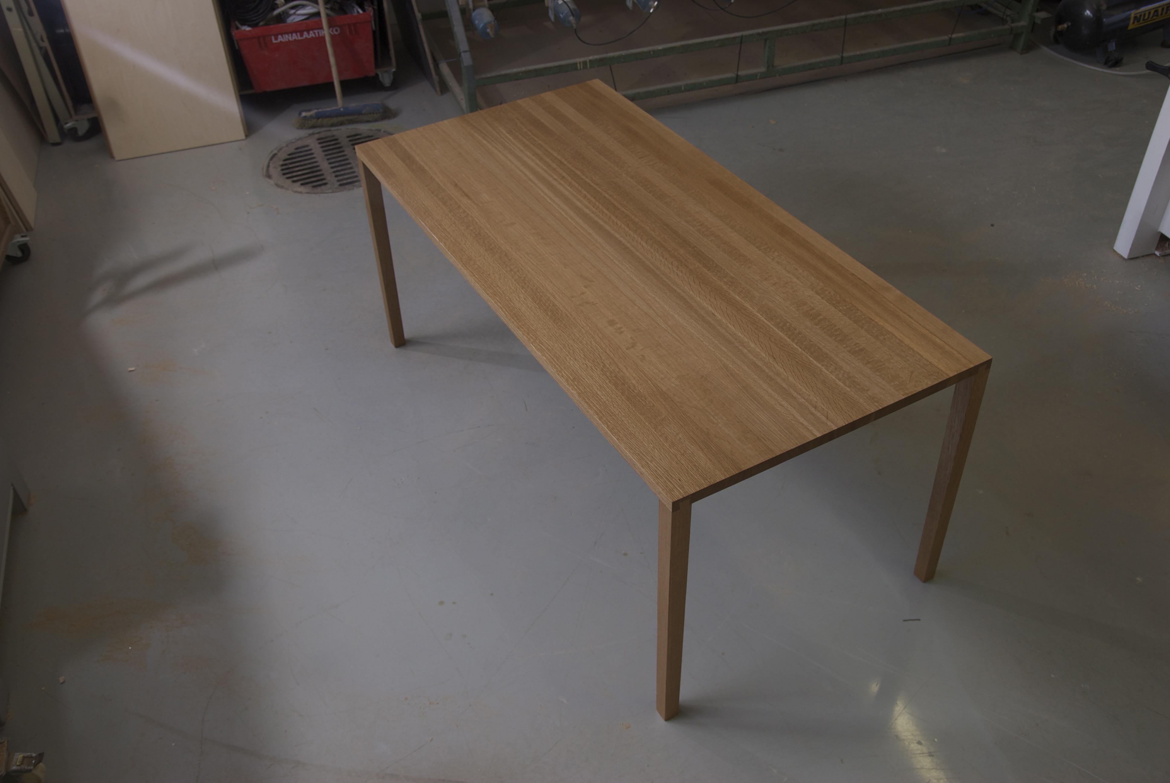 Tammipöytä
